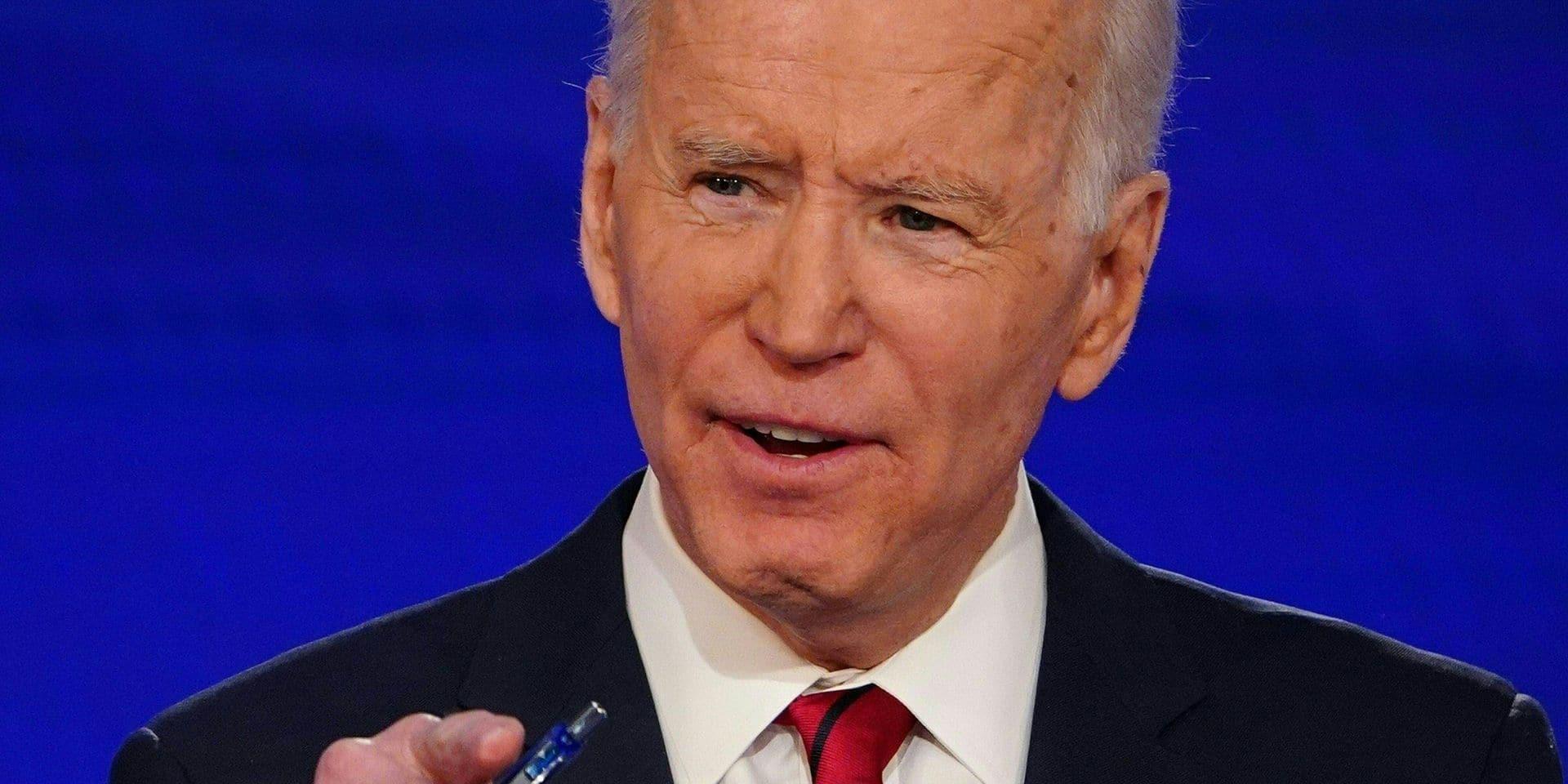 Joe Biden soutient les joueuses de football face à la fédération américaine