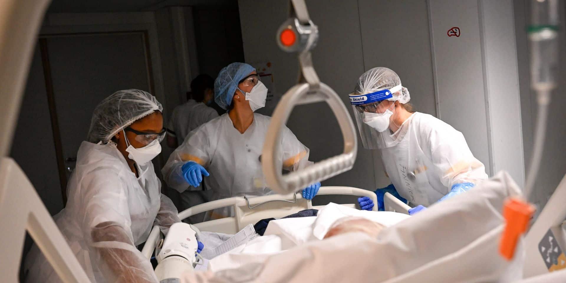 Coronavirus en Belgique: environ 2300 contaminations quotidiennes, les admissions en baisse