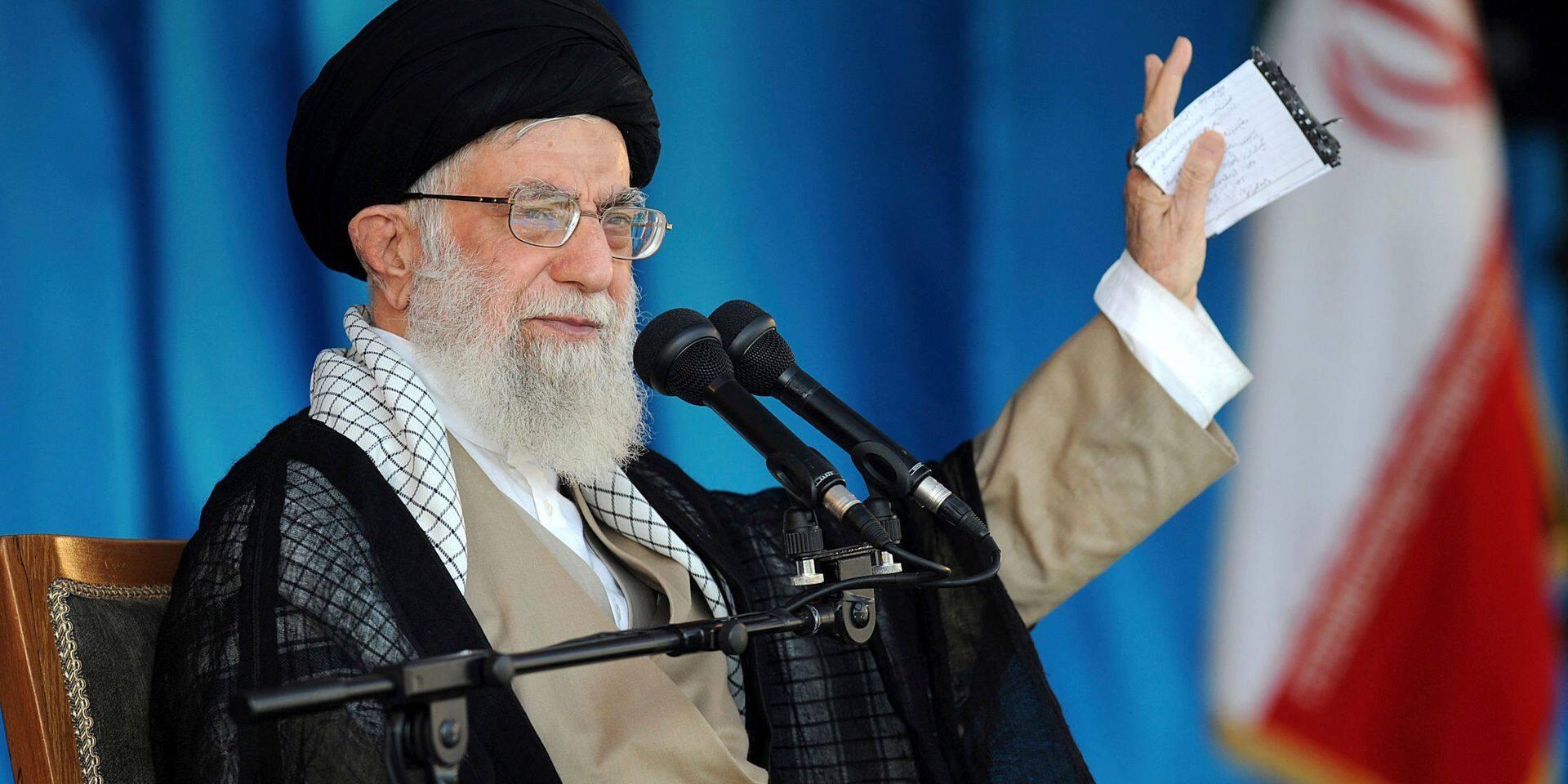 La réaction du guide suprême de l'Iran aux sanctions américaines
