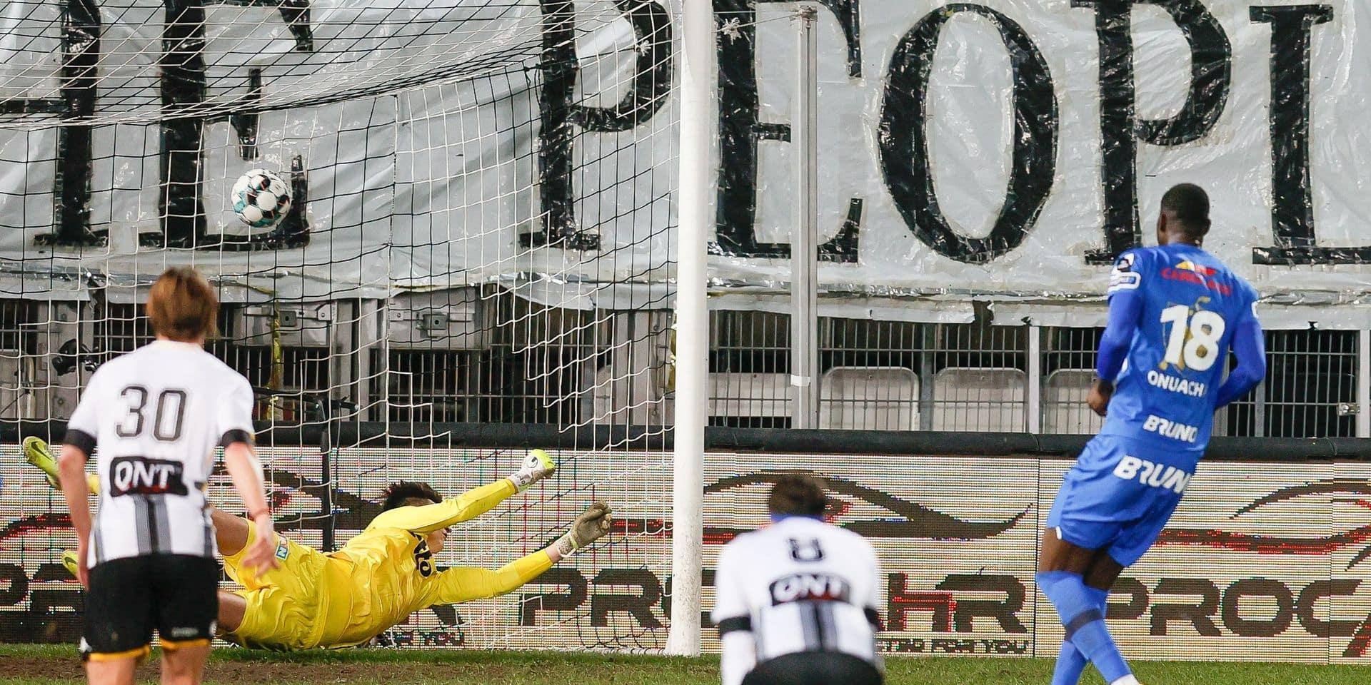 Charleroi s'écroule face à Genk et voit le top 4 s'éloigner (1-2)