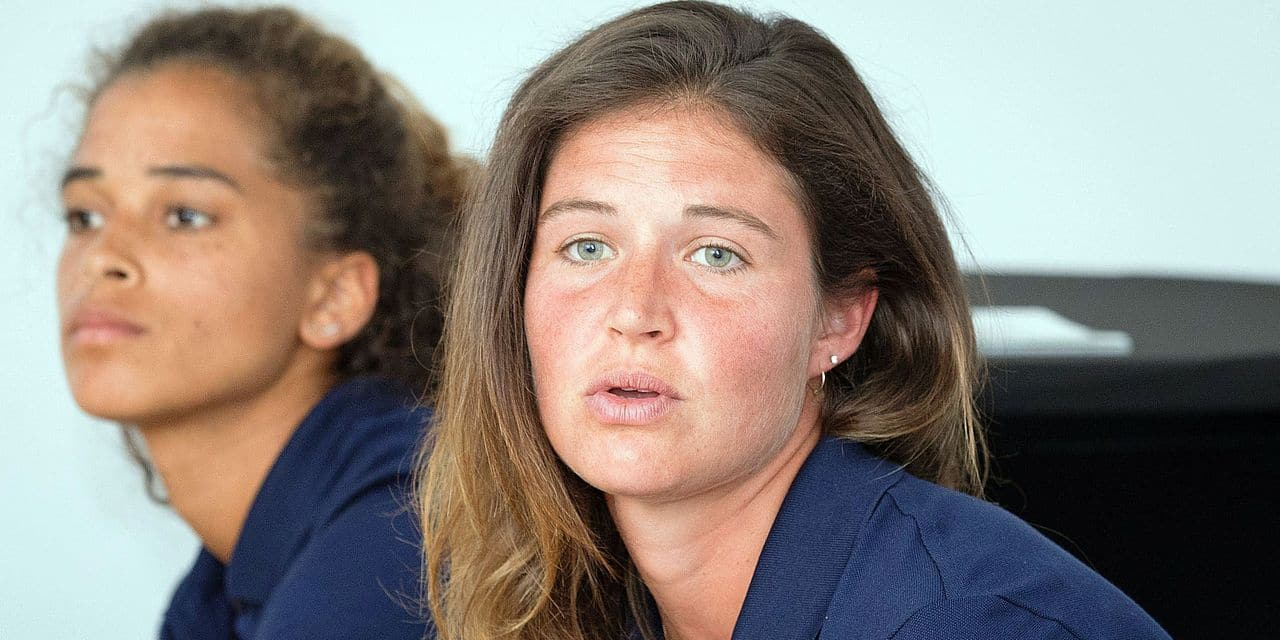 Belgium's goalkeeper Aisling D'hooghe and captain Anouk Raes pictured during a press conference of the Belgian Red Panthers, Belgian national women hockey team to present the selection for the women hockey world cup in London from 21 July to 5 August 2018, Friday 06 July 2018, in Brussels. BELGA PHOTO BENOIT DOPPAGNE