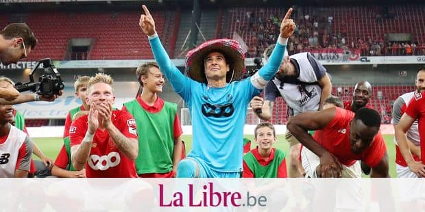 Standard's Renaud Emond, Standard's Guillermo Ochoa and Standard's Paul-Jose Mpoku M'Poku Ebunge celebrate after winning the Jupiler Pro League match between Standard de Liege and KAA Gent, in Liege, Friday 27 July 2018, on the first day of the Jupiler Pro League, the Belgian soccer championship season 2018-2019. BELGA PHOTO VIRGINIE LEFOUR