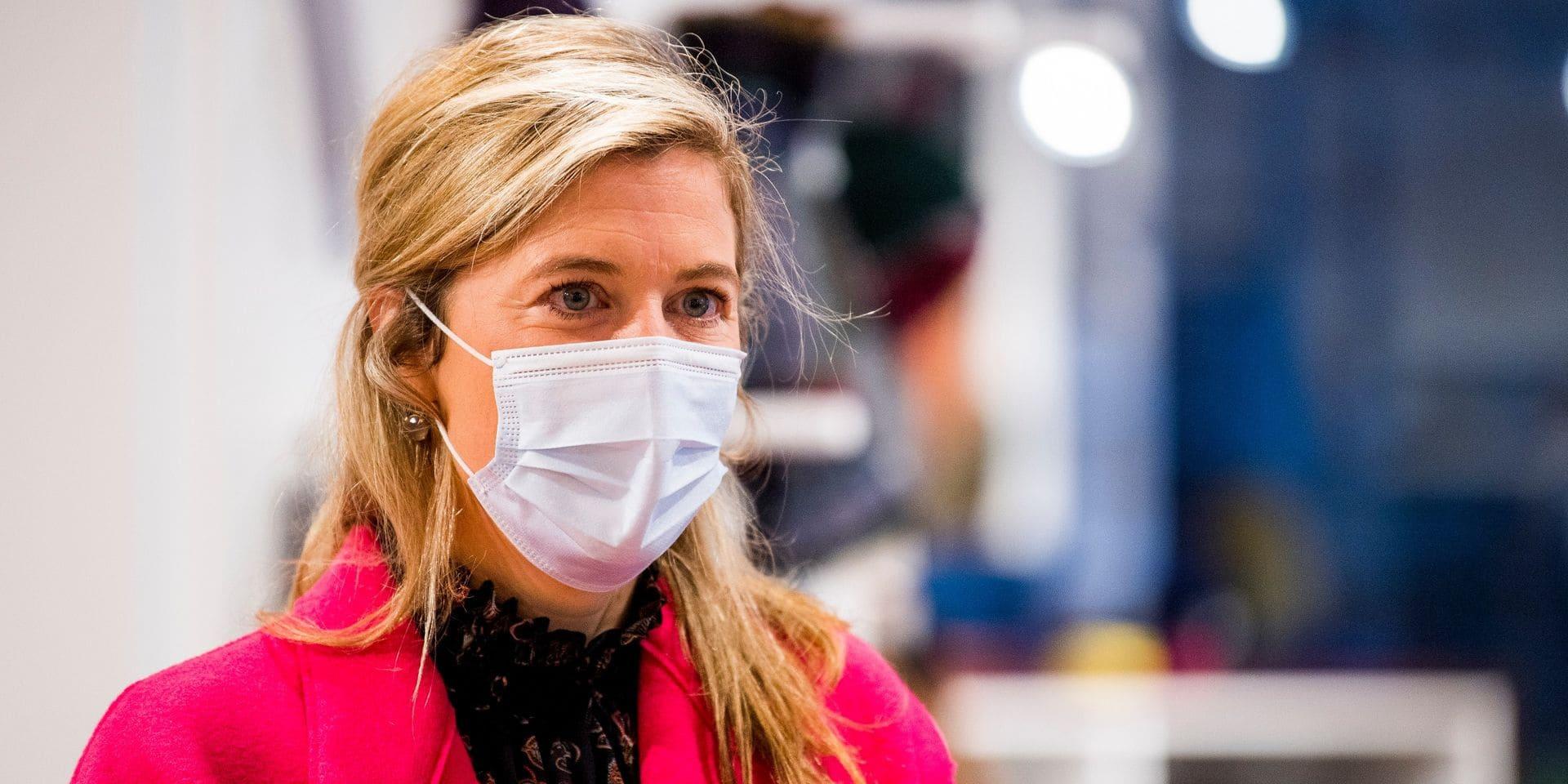 """Annelies Verlinden revient sur les nombreux rassemblements interdits : """"Il faut que cela cesse"""""""