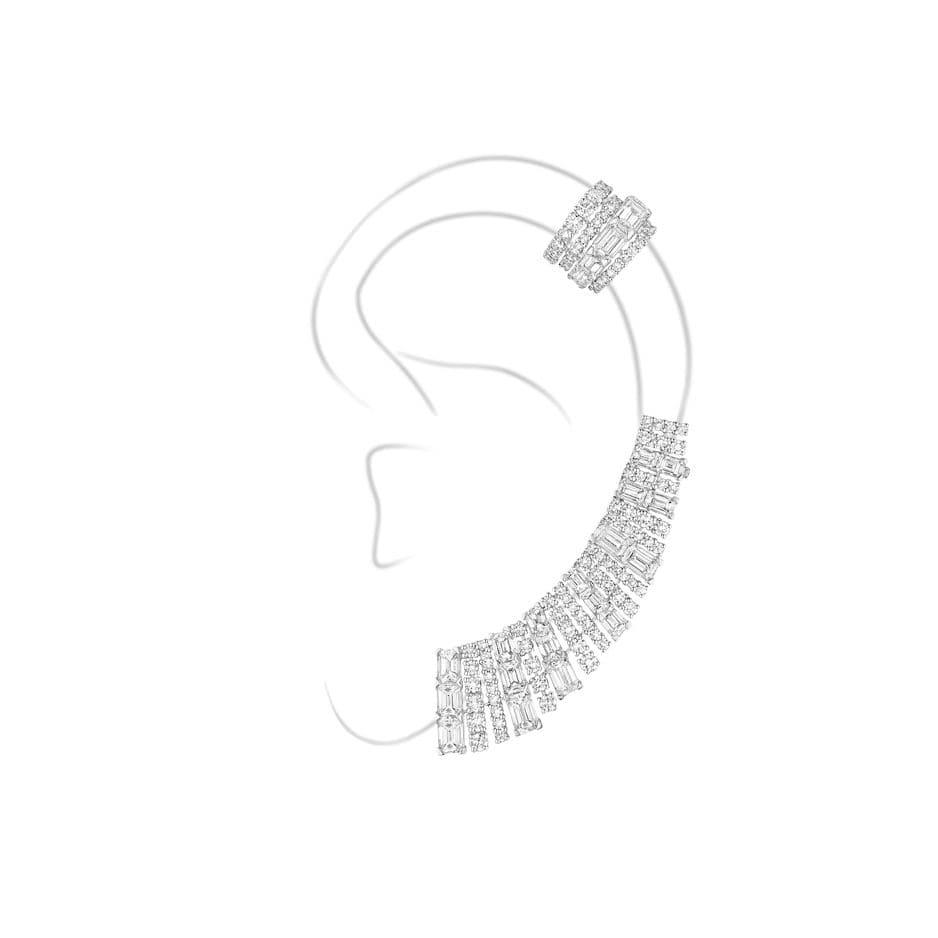 Messika et ses désormais célèbres earcuffs. Ici le modèle Calyx, haute joaillerie, prix sur demande.                                      www.messika.com