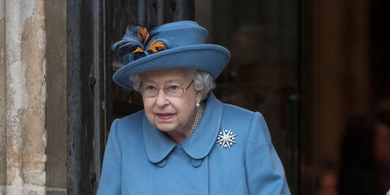"""""""Inhabituel"""" : cette photo d'Elizabeth II rassure autant qu'elle étonne"""