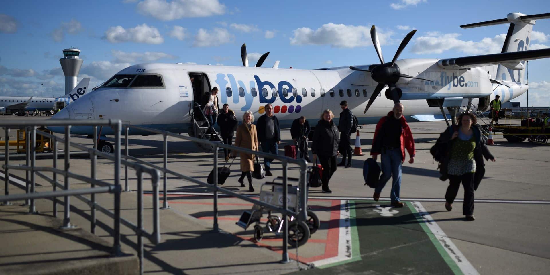 Coronavirus et manque de liquidités: la compagnie aérienne britannique Flybe jette l'éponge