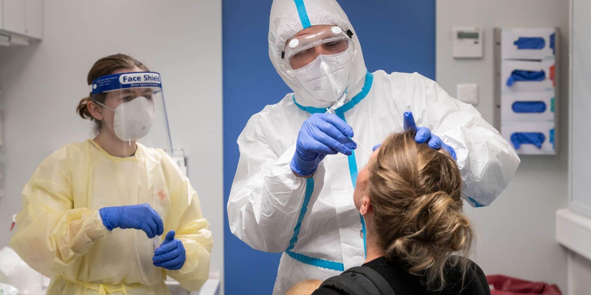 Les voyageurs revenant d'une zone rouge peuvent désormais se faire tester sans passer par un médecin