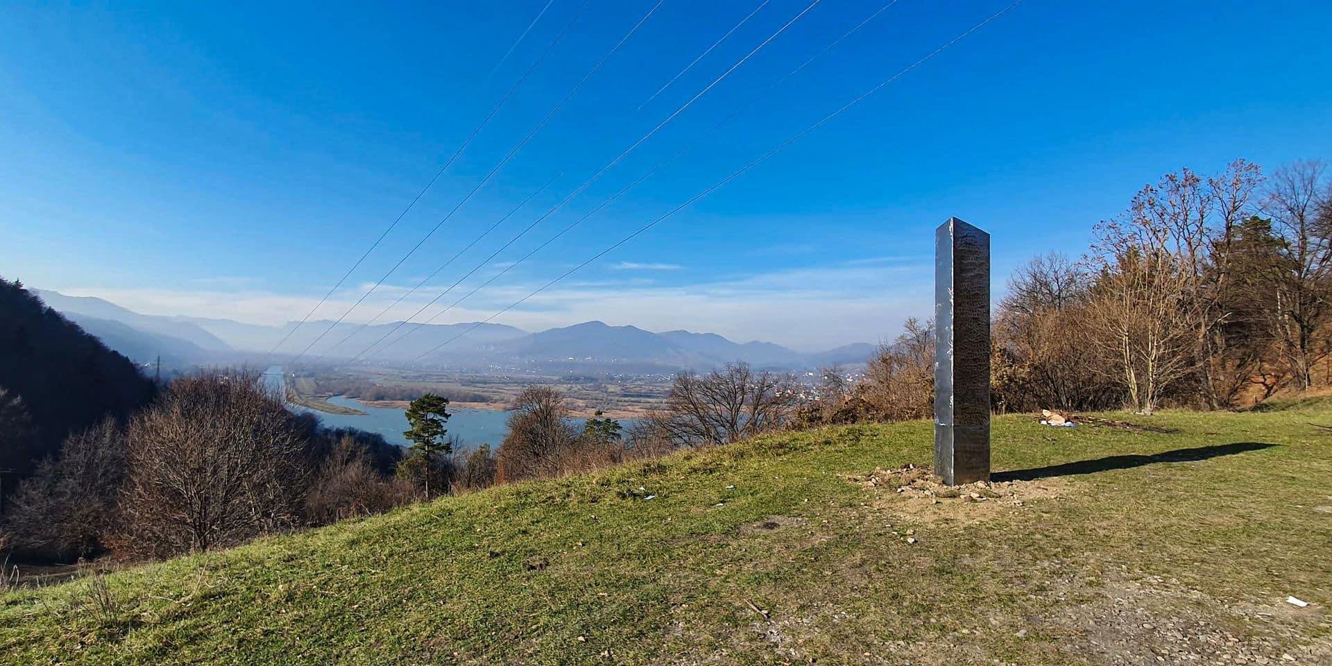 Après l'Utah et la Roumanie, un mystérieux monolithe sur une île britannique