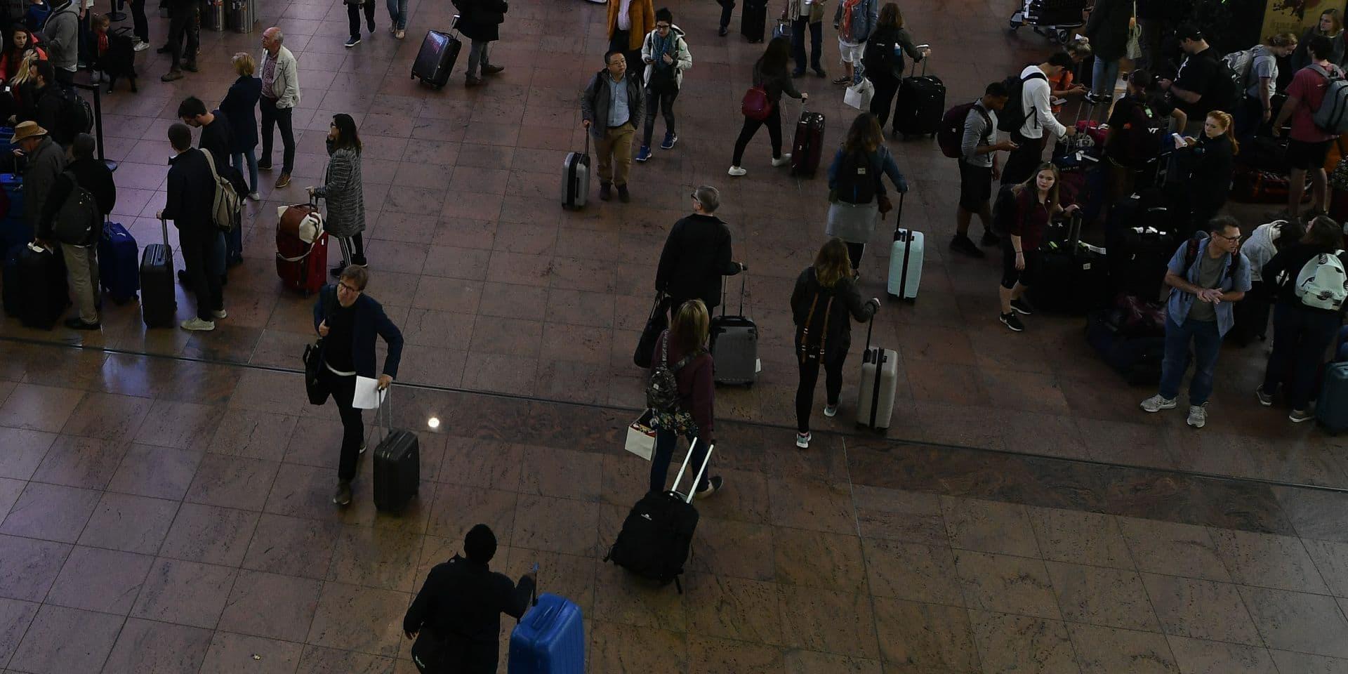 File interminable et altercations aux arrivées à Brussels Airport