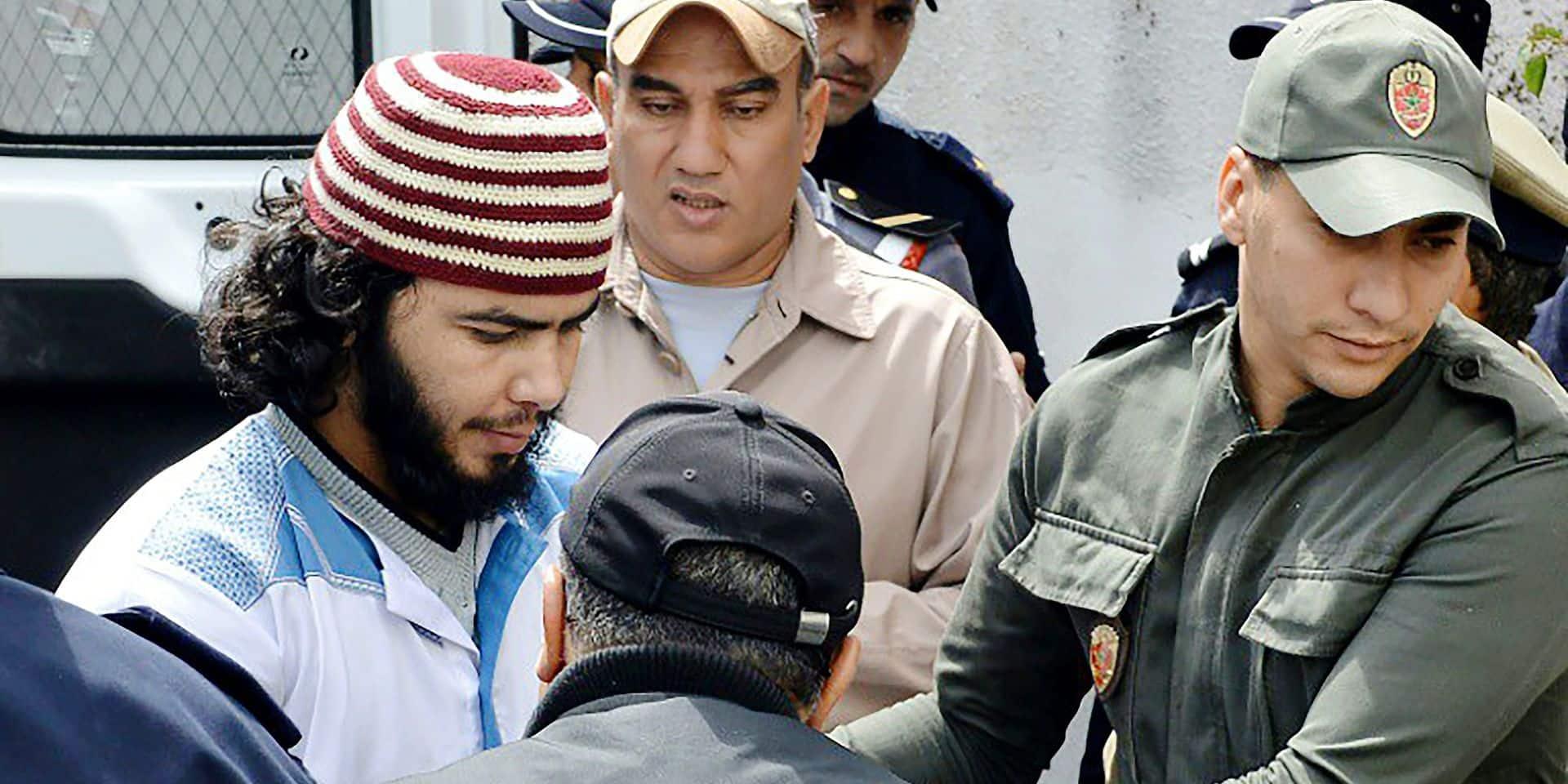 Un des suspects du double meurtre de deux touristes scandinaves au Maroc arrive au tribunal de Salé (Maroc), le 2 mai 2019