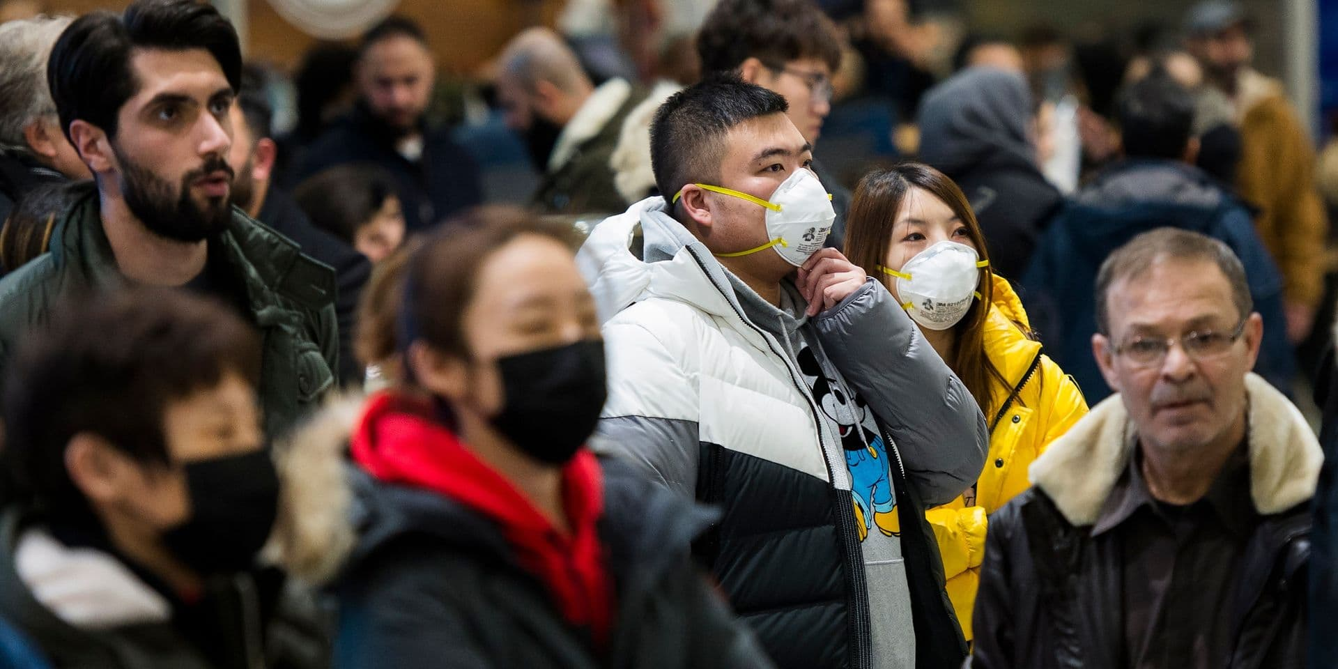 Virus chinois: le bilan monte à 56 morts, Disneyland ferme ses portes à Hong Kong