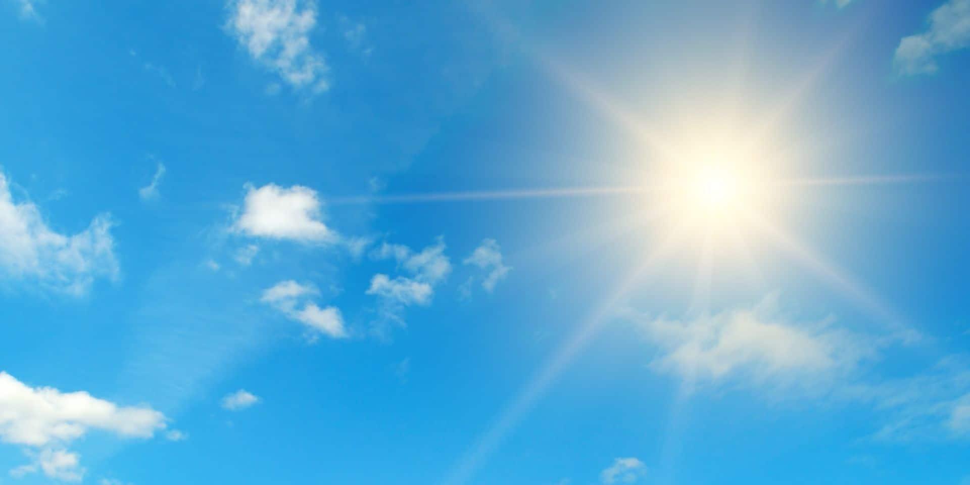 Météo: un ciel bleu azur lundi après-midi et des nuages annoncés à partir de mercredi