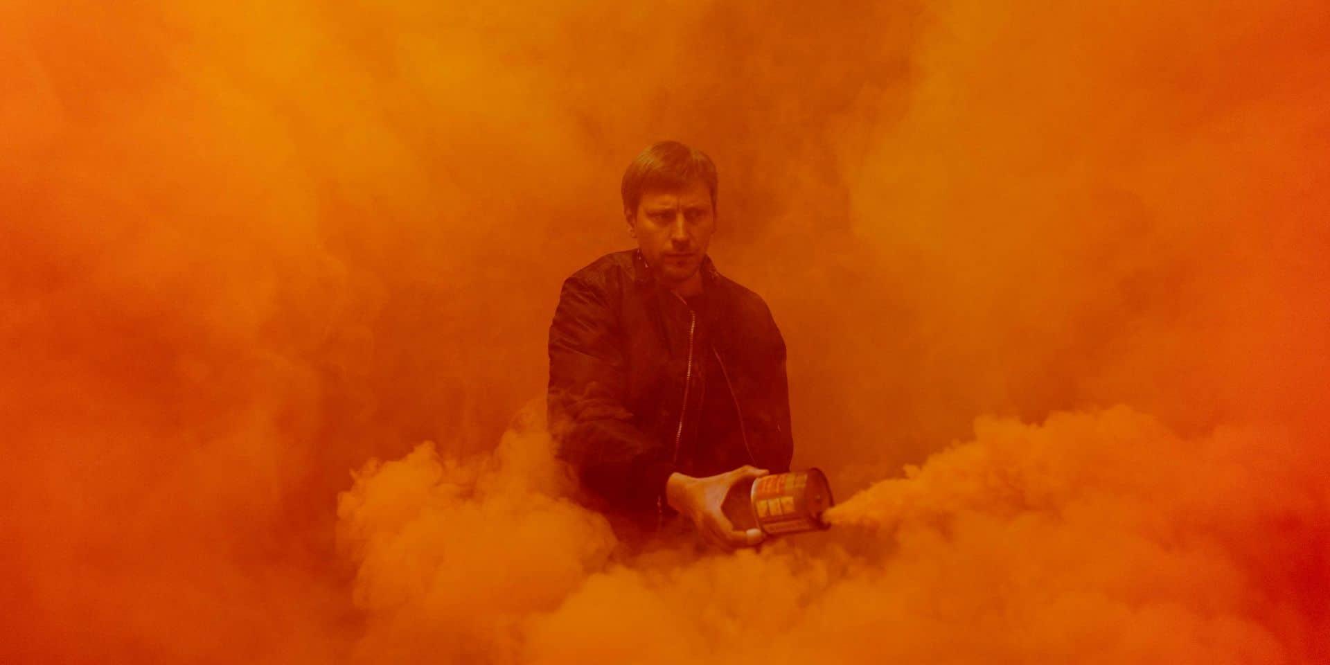 Marcin Dudek durant ses performances fumigènes