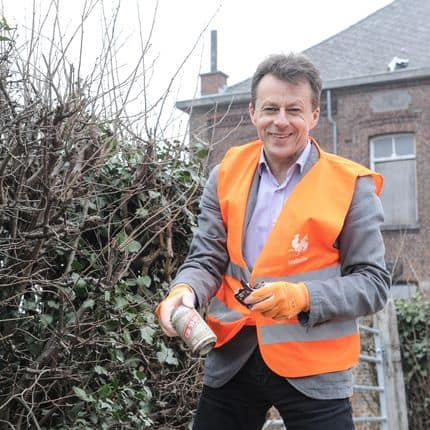 20150320 - NAMUR, BELGIUM: Walloon Minister of Environment, Animal Welfare, Spatial Planning, Airports and Mobility Carlo Di Antonio (cdH) pictured during the 'great spring cleaning' organized by Walloon Minister of Environment Di Antonio, Friday 20 March 2015 in Namur. BELGA PHOTO SOPHIE KIP