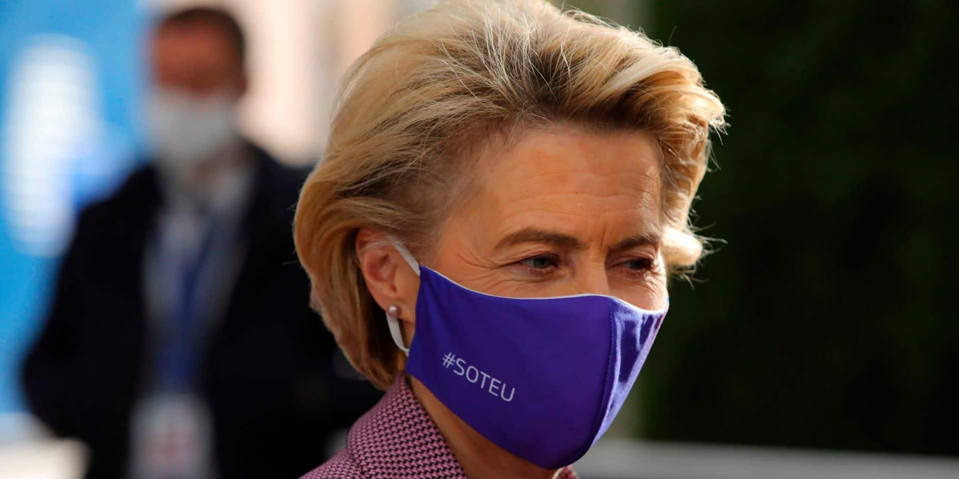 Ursula von der Leyen quitte le sommet européen et s'isole après le test positif d'un collaborateur