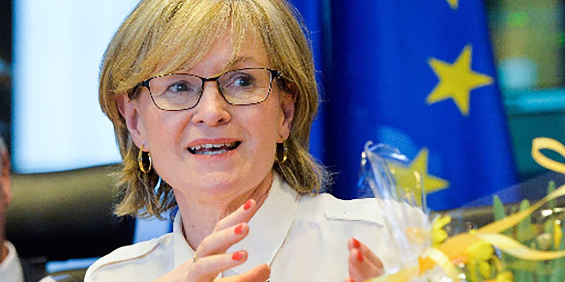 Qui est Mairead McGuinness, l'Irlandaise désignée commissaire européenne aux services financiers?