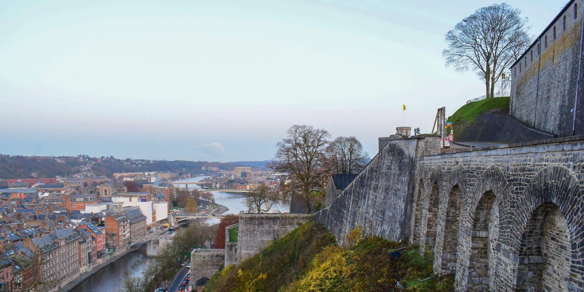 """Namur est un mix entre patrimoine et modernité : """"Les façades conjuguent la richesse du vocabulaire Art Déco et la carte d'un modernisme épuré"""""""