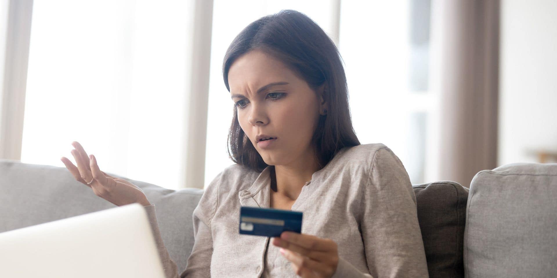 """La FSMA indique que l'usage accru d'internet expose davantage les consommateurs """"au démarchage d'escrocs proposant des offres de tous types""""."""