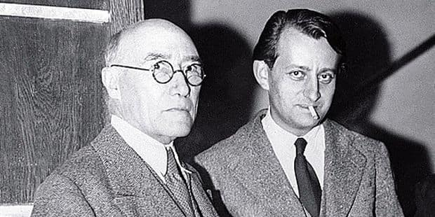 Photo de groupe des écrivains français André Gide, André Malraux, Jean Guéhenno, et Paul Vaillant-Couturier (de G. à Dr), prise le 27 octobre 1934. / AFP PHOTO / AFP