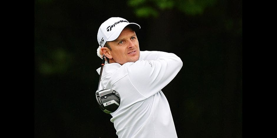 NEWTOWN SQUARE, PA - SEPTEMBER 10: Justin Rose of England plays his tee shot on the fourth hole during the weather-delayed final round of the BMW Championship at Aronimink Golf Club on September 10, 2018 in Newtown Square, Pennsylvania. Drew Hallowell/Getty Images/AFP == FOR NEWSPAPERS, INTERNET, TELCOS & TELEVISION USE ONLY ==