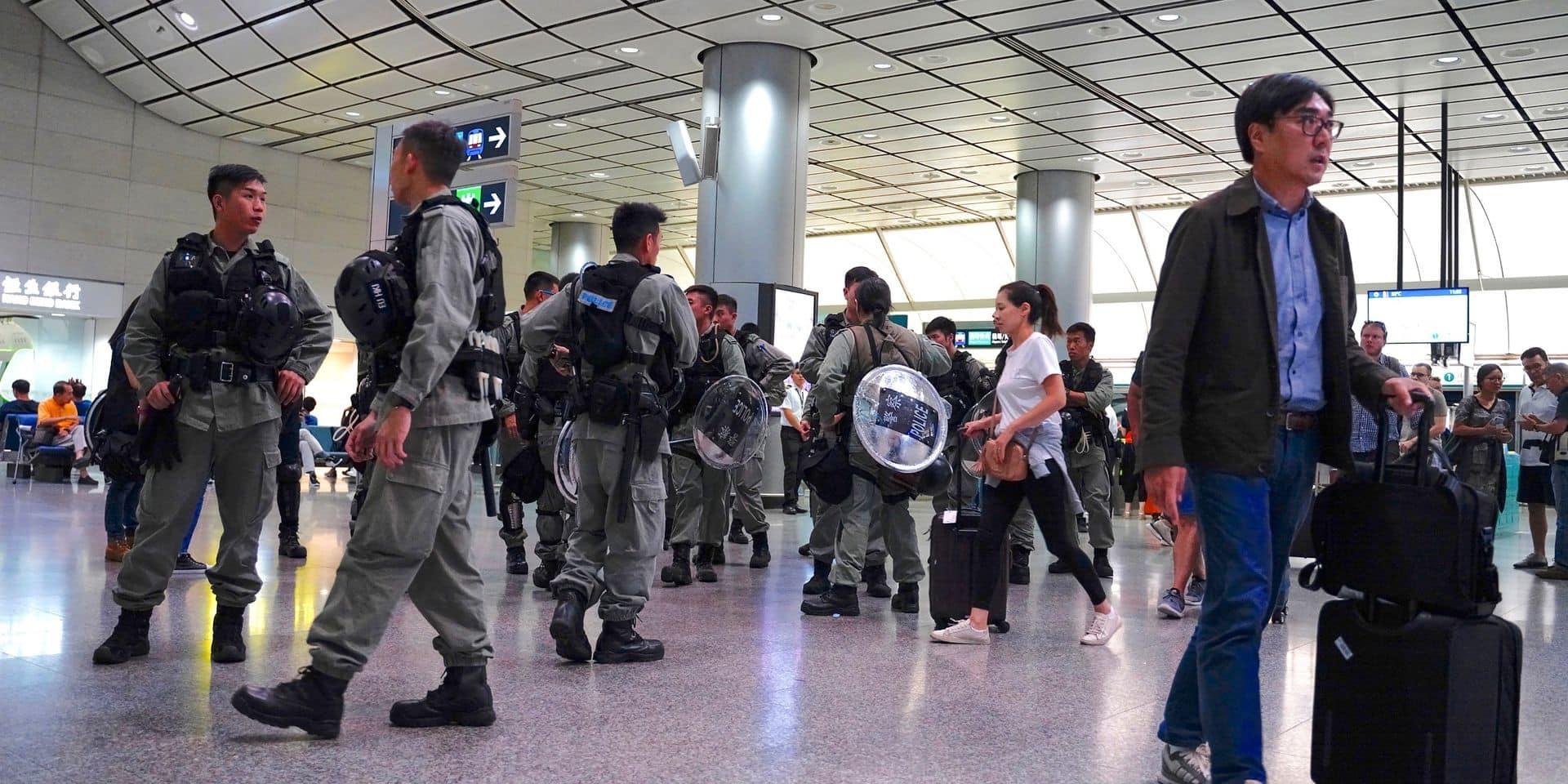 Hong Kong en état d'alerte, l'aéroport pourrait à nouveau être bloqué