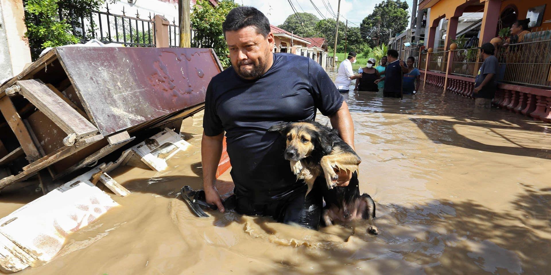 """Après les ouragans de novembre, un élan de solidarité en Amérique centrale: les conséquences du changement climatique sont """"très graves"""""""