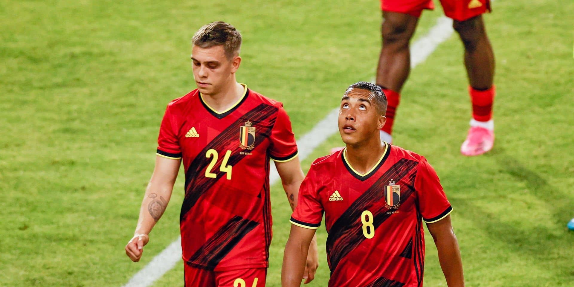 """""""La Belgique ne fait pas peur"""", """"inquiétant"""", """"médiocre"""": les Diables rouges critiqués à l'étranger après le match nul contre la Grèce"""