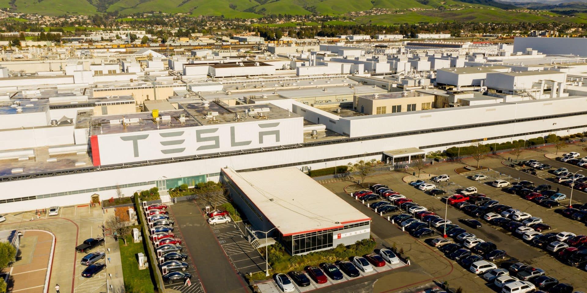Tesla ralentit la production de son usine californienne à cause de la pénurie de puces