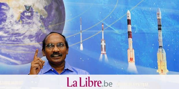 Indian space scientist Kailasavadivoo Sivan, chairman of the Indian Space Research Organization (ISRO), gestures while addressing a press conference at the ISRO headquarters Antariksh Bhavan in Bangalore on January 11, 2019, held to announce Chandrayaan 2, ISRO's planned man to the moon mission. - India will send its first manned mission into space by December 2021, the head of the country's space agency said on January 11. (Photo by MANJUNATH KIRAN / AFP)