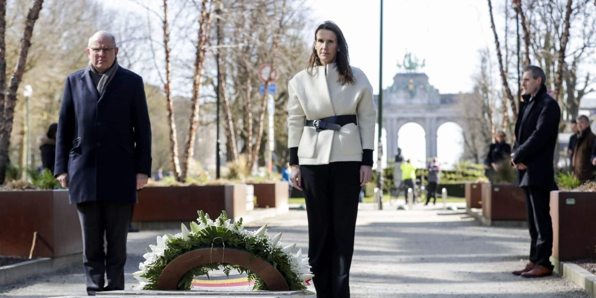 Attentats de Bruxelles: la Première Ministre Wilmès commémore les victimes d'attaques terroristes en cercle restreint