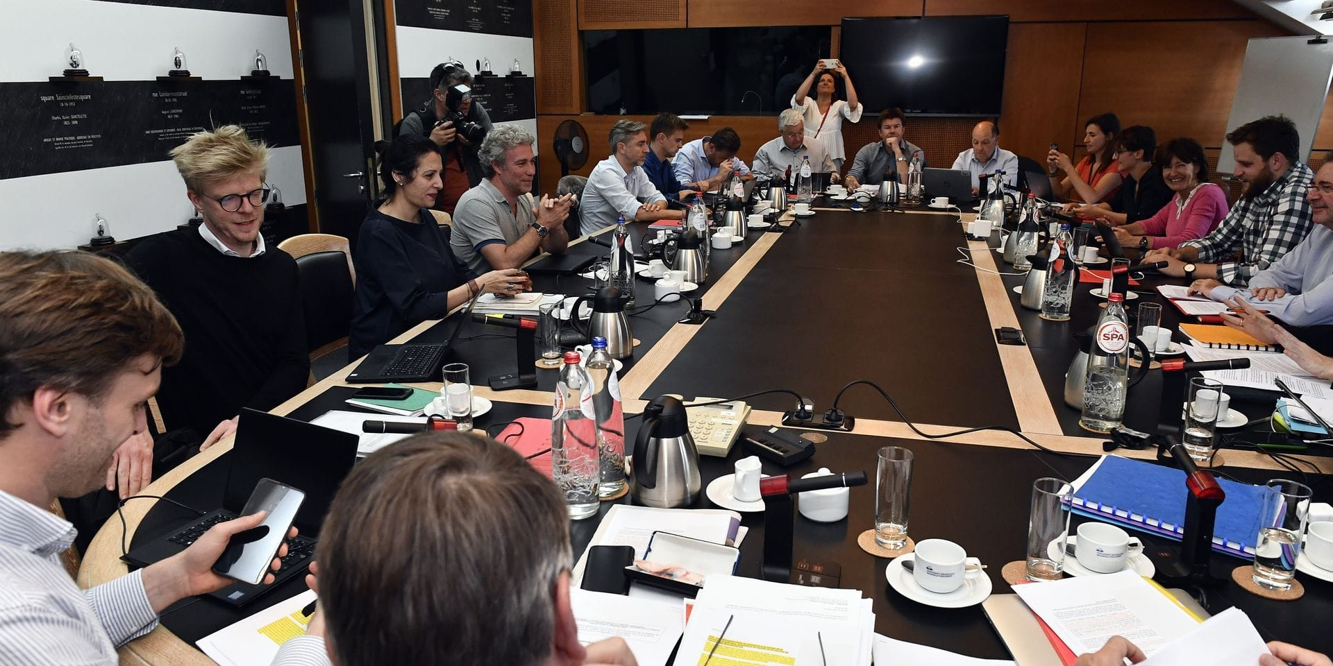 Édito: l'exercice peu convaincant autour de l'accord pour le prochain gouvernement bruxellois