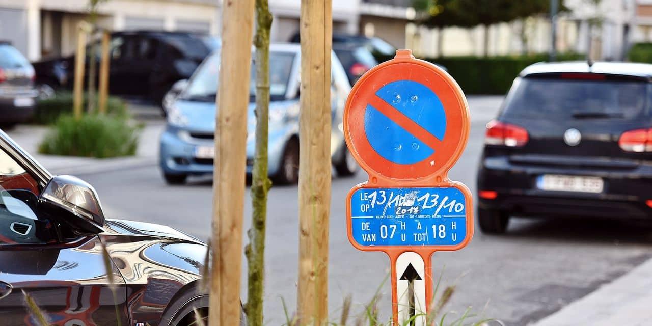 Signalisation interdit stationnement trafic parking auto voiture environnement