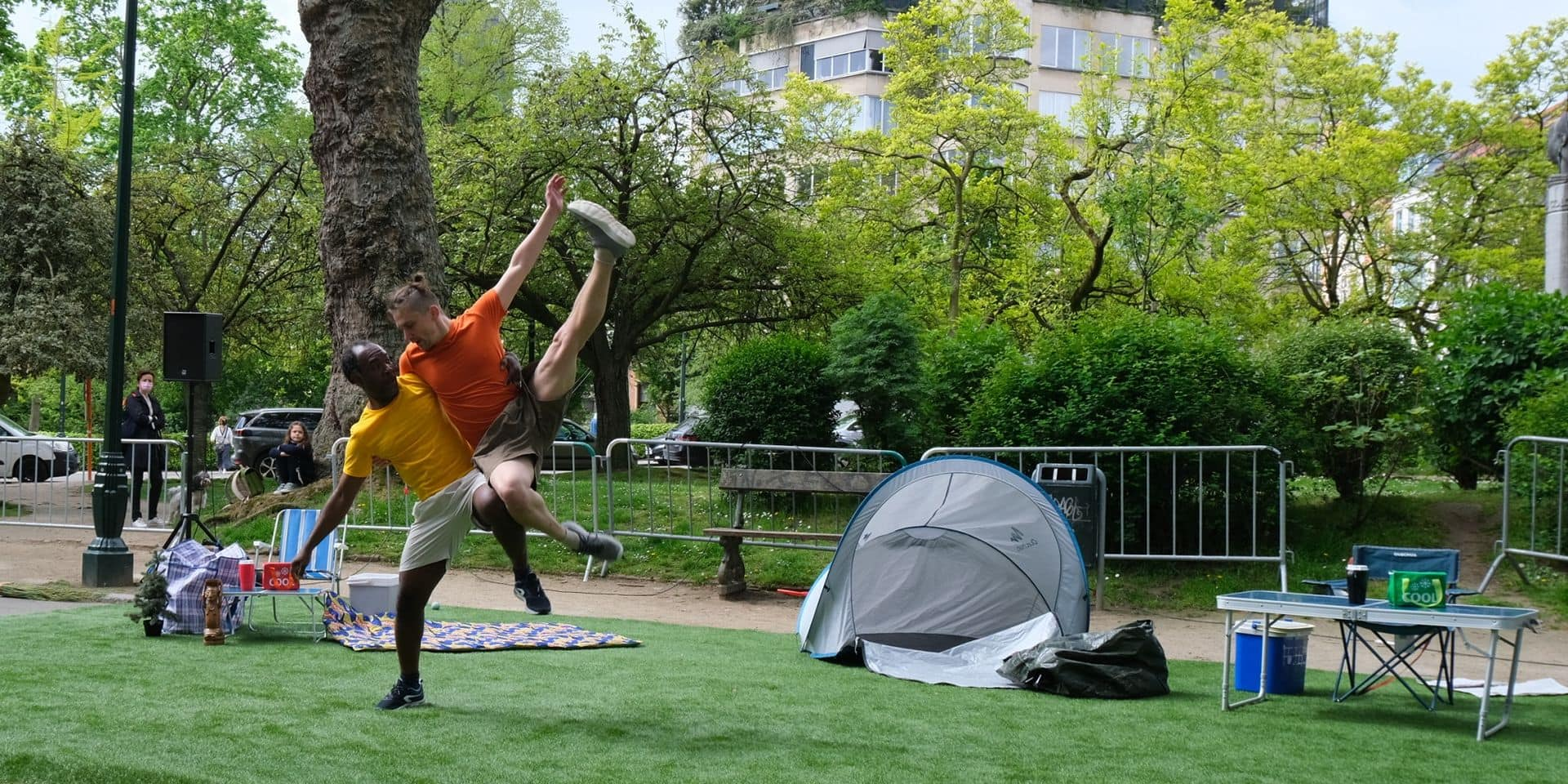 Camping sauvage et dansé