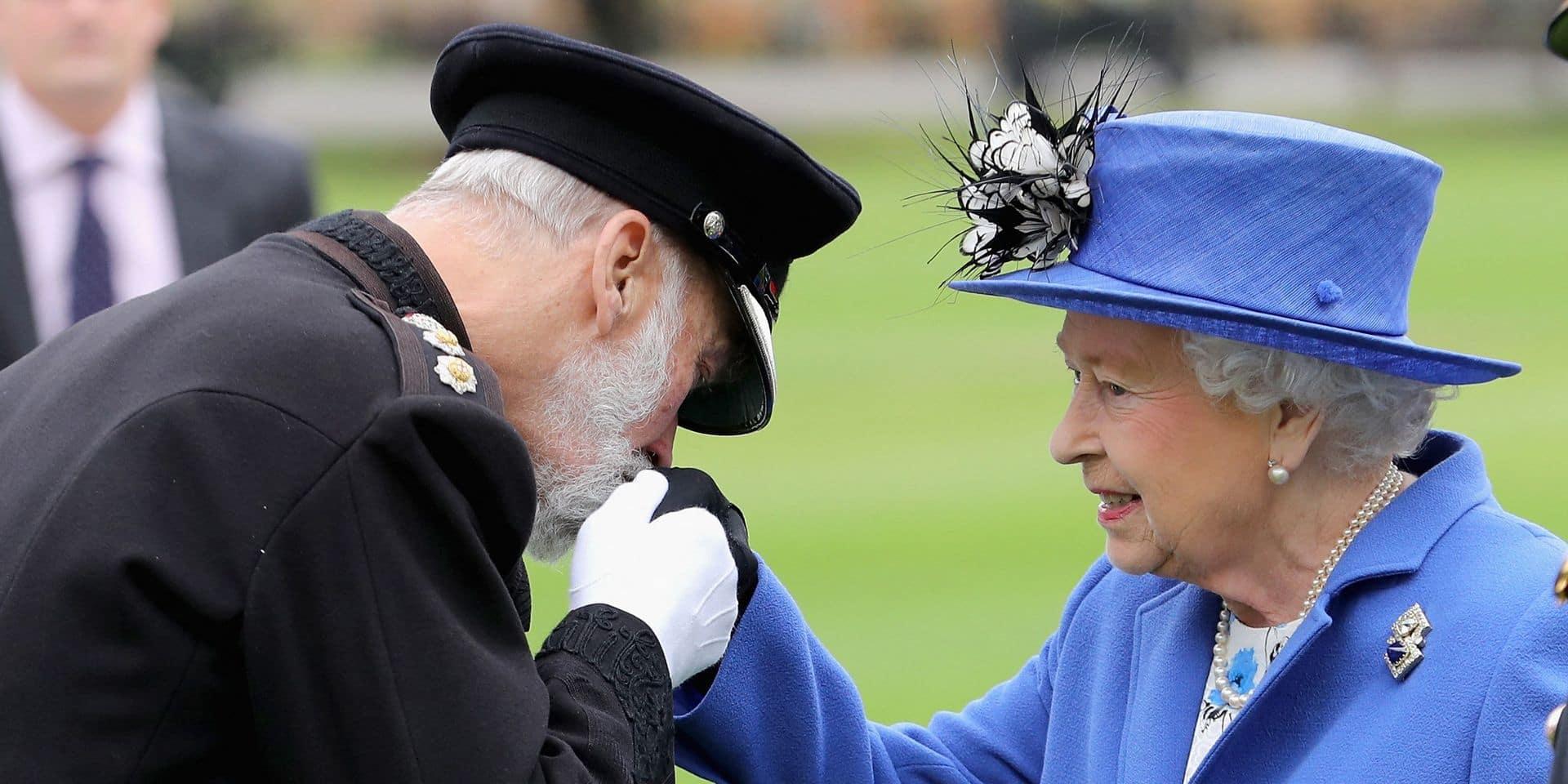 Elizabeth II aux prises avec un nouveau scandale: son cousin monnayait des accès à Vladimir Poutine