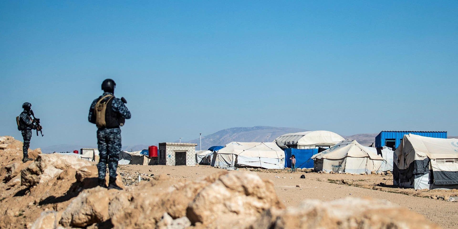 """Conflit en Syrie : 125 """"membres"""" de l'EI arrêtés dans le camp d'Al-Hol"""