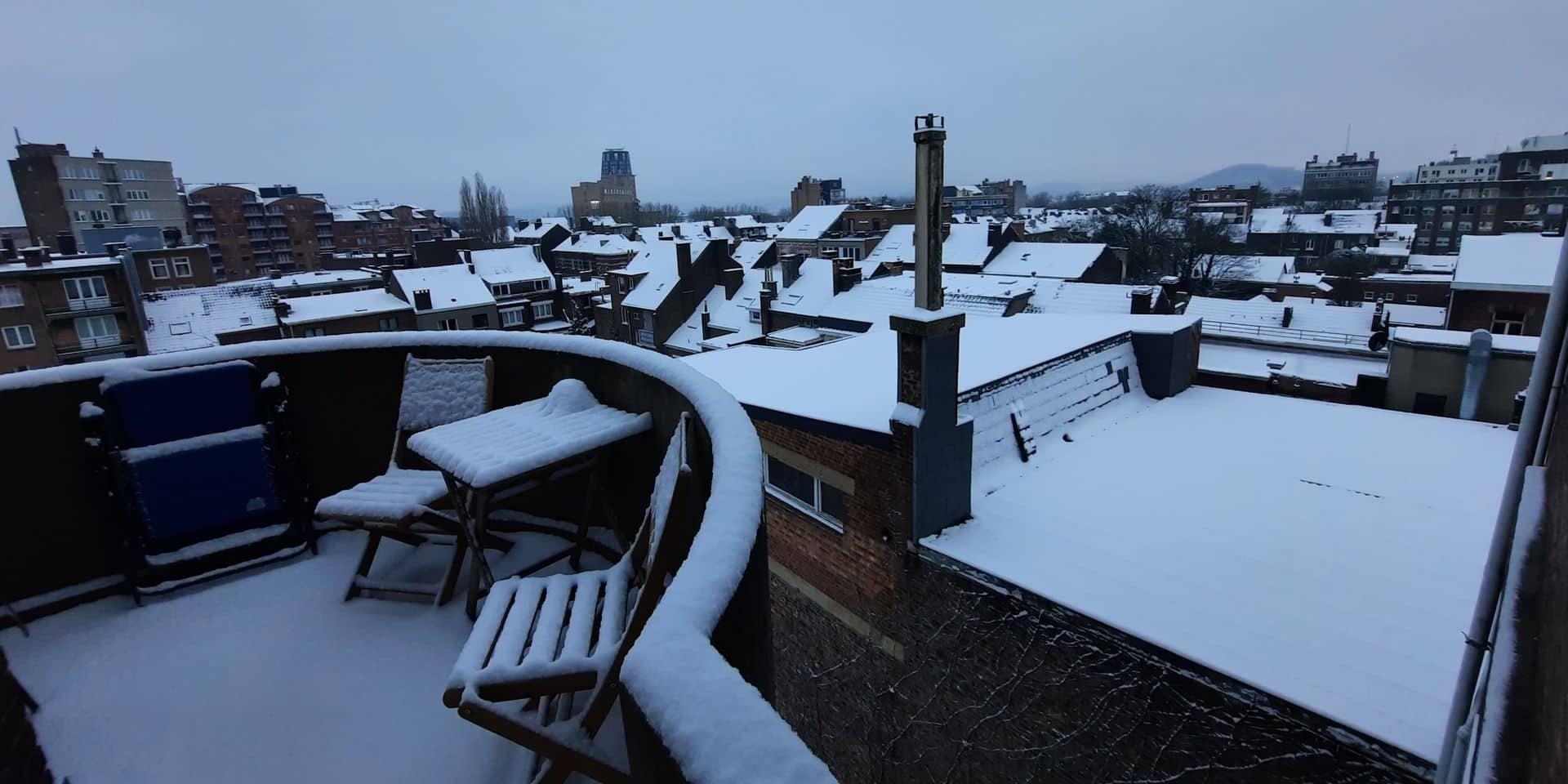 Un manteau de neige sur Charleroi pour commencer la semaine