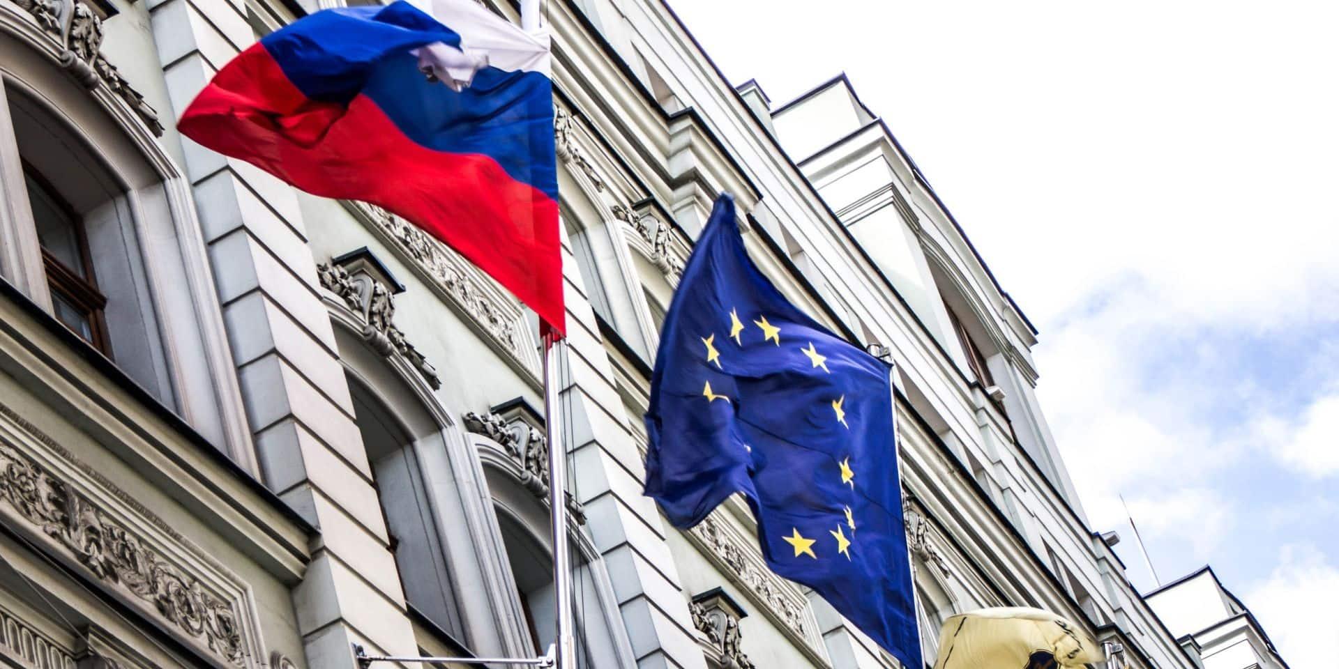 """Sanctions russes : l'UE se réserve le droit de prendre des """"mesures appropriées"""""""