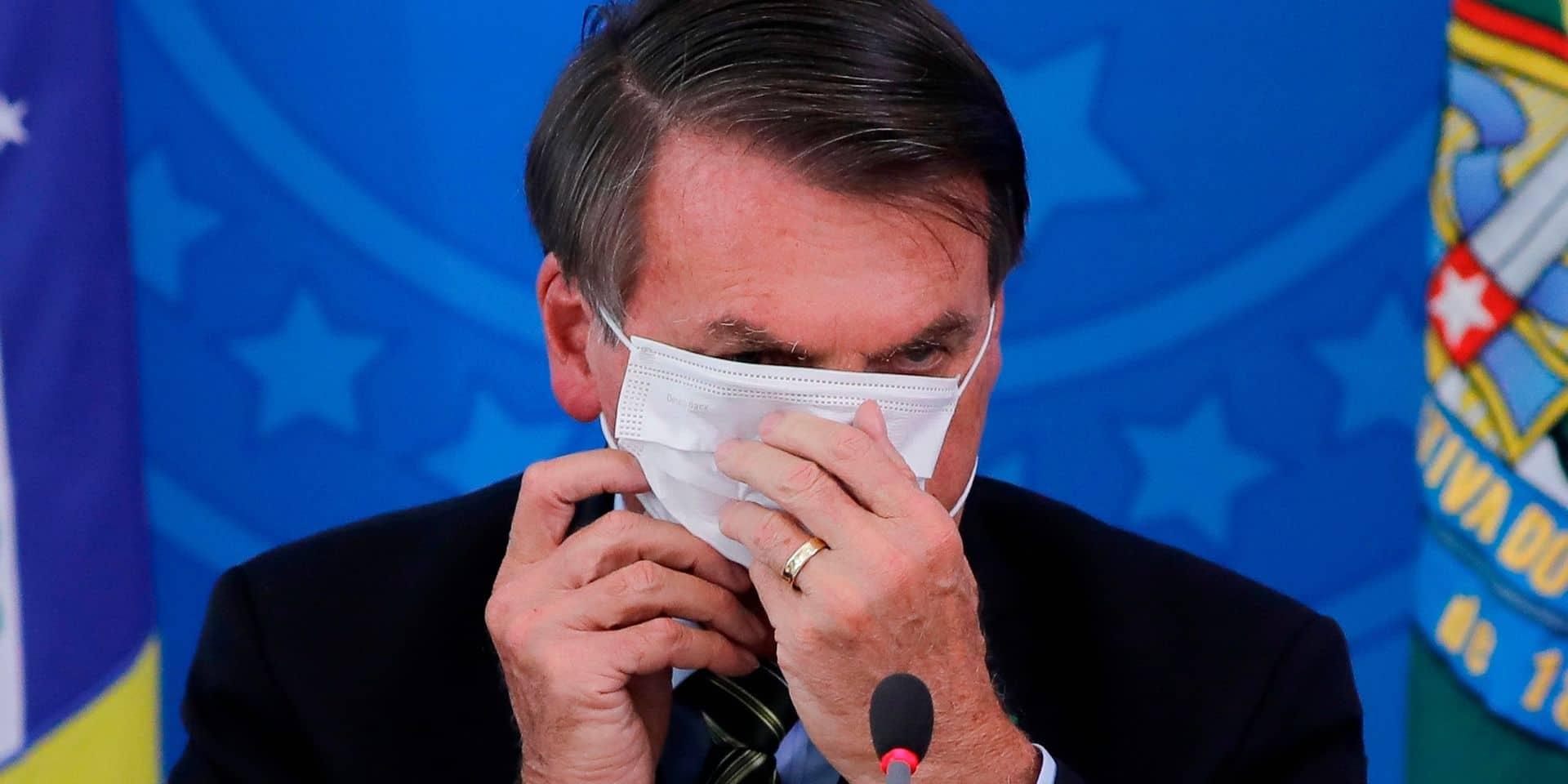 Brésil: malgré la situation sanitaire catastrophique, Bolsonaro ne sera plus obligé de porter un masque
