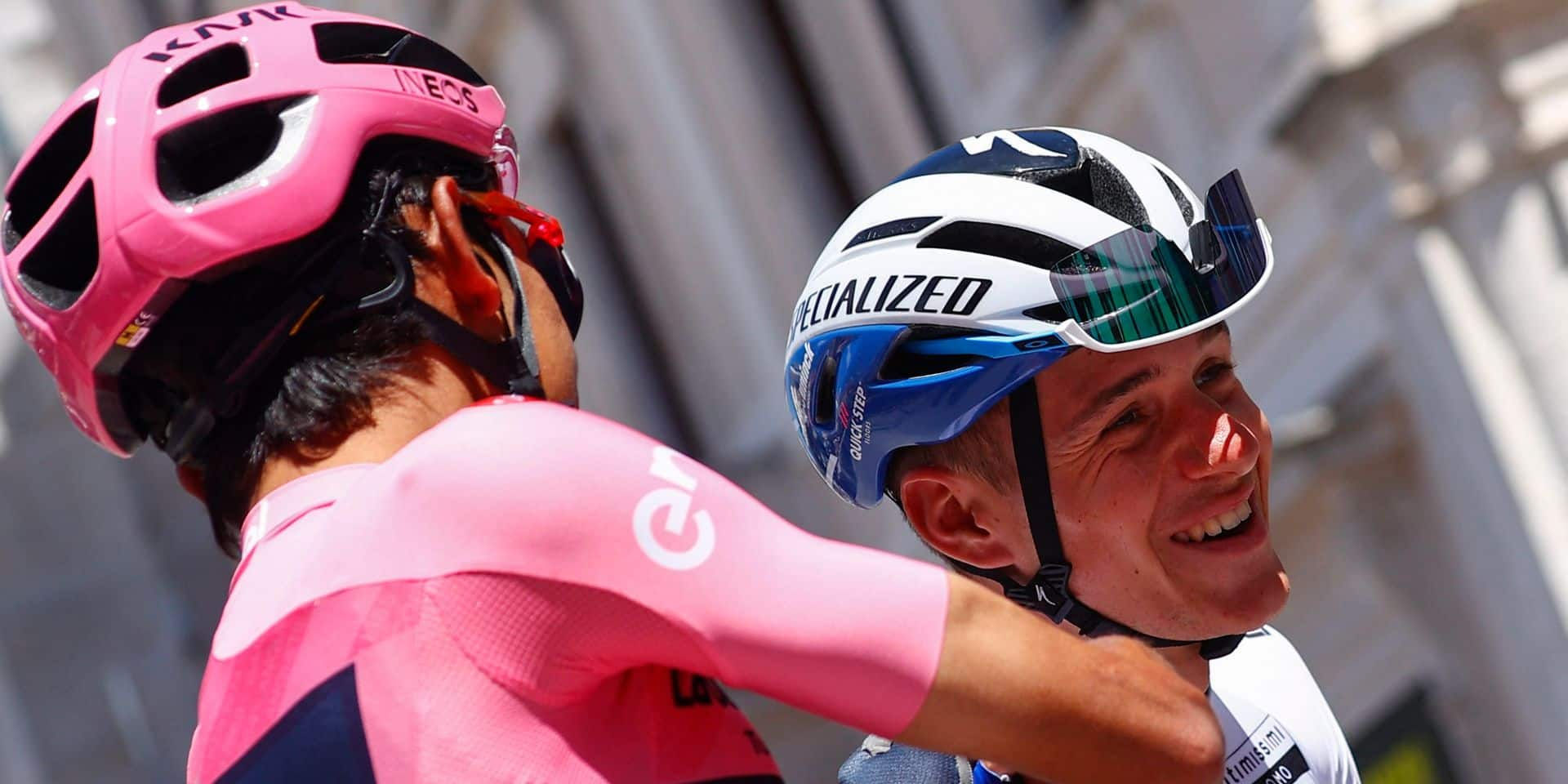 """Giro: victoire du jeune Lorenzo Fortunato, Evenepoel perd 1'30"""" sur Bernal"""
