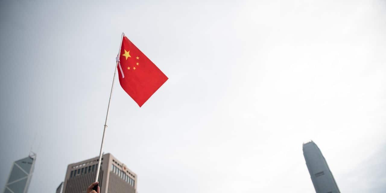 Le chef de la diplomatie chinoise signe deux accords commerciaux avec l'Italie