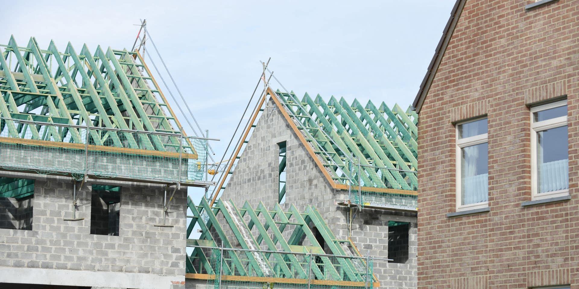 Immobilier construction quartier maison logement hypothécaire crédit propriété toit bois isolation chaleur