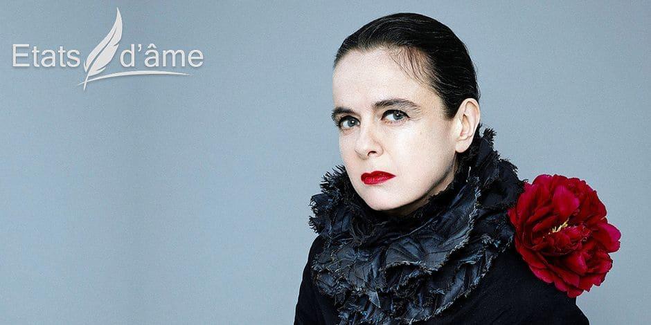 """Amélie Nothomb: """"Mon adolescence a été tragique. À quinze ans, vous n'auriez pas parié sur ma survie"""""""