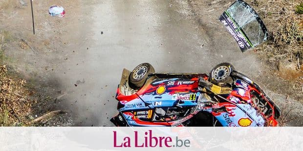 """TOPSHOT - This handout picture released by the Fia World Rally (WRC) shows Belgian driver Thierry Neuville and his compatriot, co-driver Nicolas Gilsoul, crashing the Hyundai Shell Mobis they were steering with, during the SSE8 of the WRC Chile 2019 near Maria las Cruces, Chile on May 10, 2019. (Photo by HO / FIA / AFP) / RESTRICTED TO EDITORIAL USE - MANDATORY CREDIT """"AFP PHOTO / FIA WORLD RALLY / @WORLD"""" - NO MARKETING NO ADVERTISING CAMPAIGNS - DISTRIBUTED AS A SERVICE TO CLIENTS"""