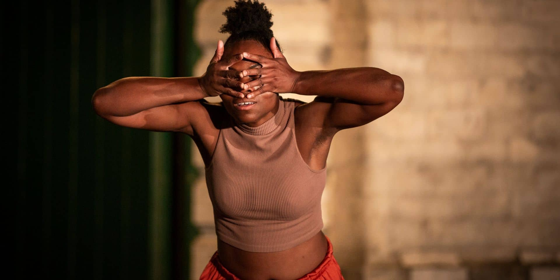 La nouvelle agence Get Down - dancers management collabore, entre autres, avec la danseuse Nadine Baboy.
