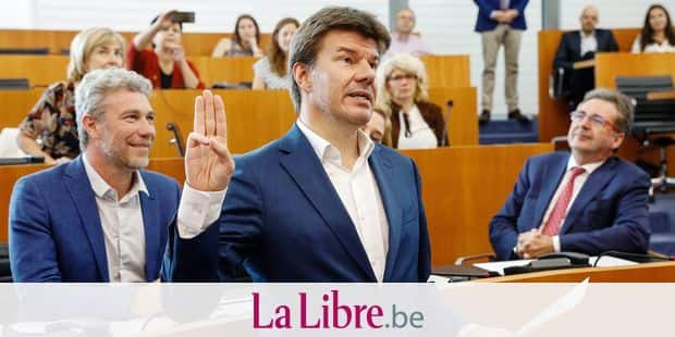 Open Vld's Sven Gatz takes the oath during a plenary session of the Brussels Parliament, Thursday 18 July 2019 in Brussels. Parties PS, Ecolo - Groen, DeFI, one.bruyssels - sp.a and Open Vld agreed on a majority to form a new government, following the May 26 elections. BELGA PHOTO THIERRY ROGE