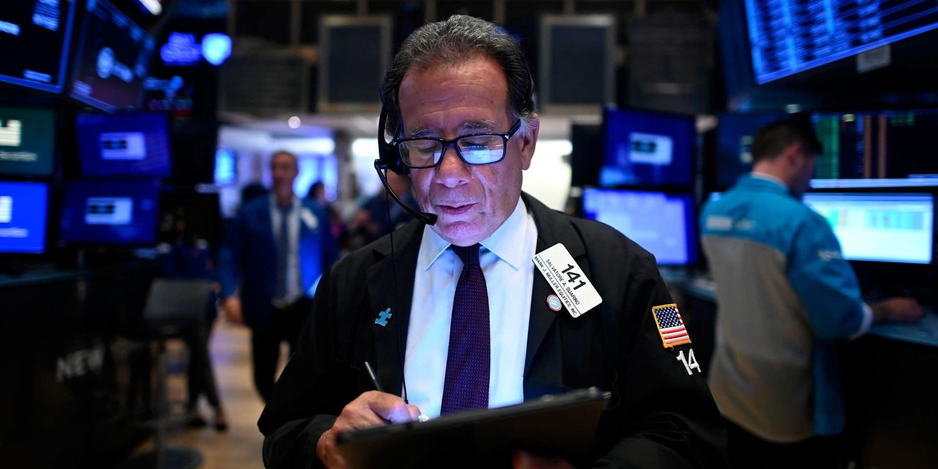 Wall Street, scrutant les résultats des banques, hésite à l'ouverture