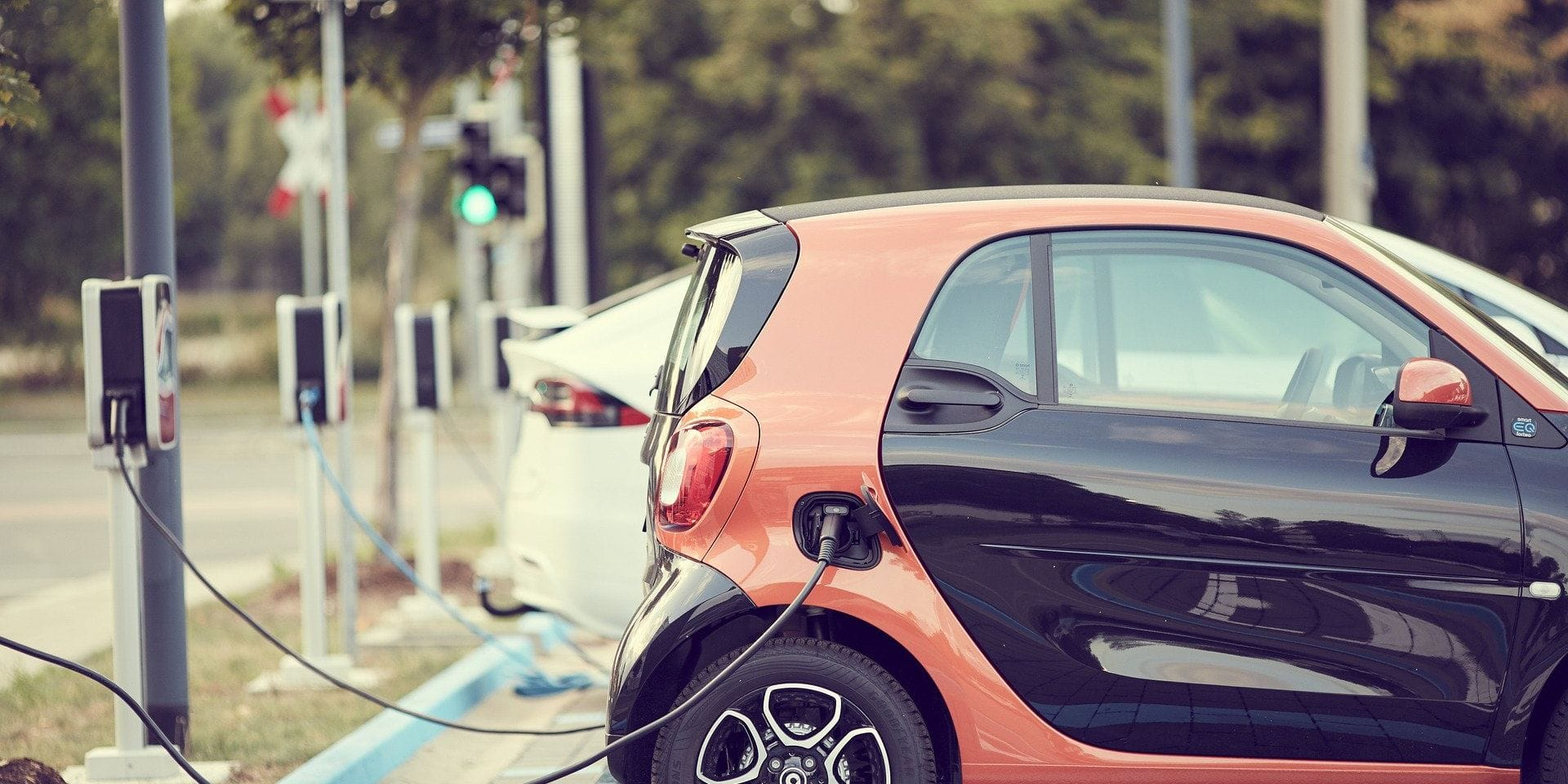 """L'UE vise 30 millions de véhicules """"zéro carbone"""" sur les routes d'ici 2030"""