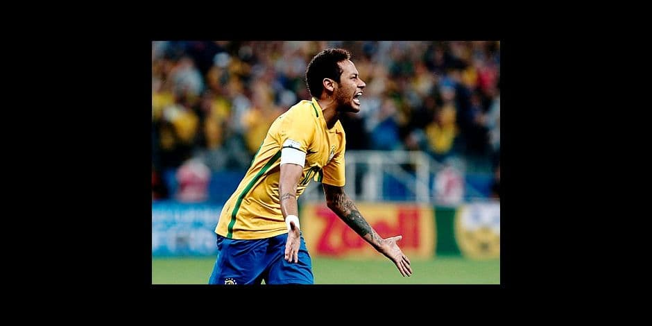 (FILES) In this file photo taken on March 28, 2017 Brazil's forward Neymar celebrates during their 2018 FIFA World Cup qualifier football match against Paraguay in Sao Paulo, Brazil. / AFP PHOTO / Miguel SCHINCARIOL