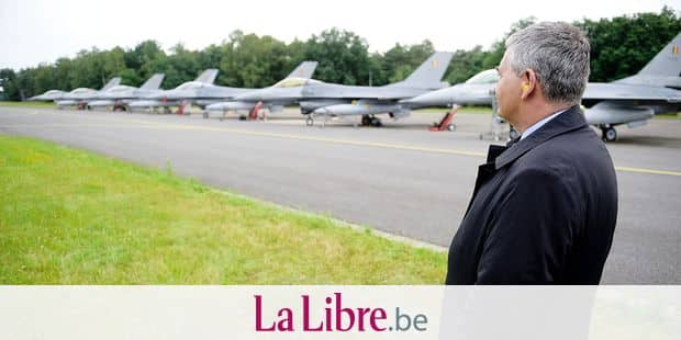 Minister of Defence and Public Service Steven Vandeput pictured during the departure of six planes of the Belgian army, F-16 fighter jets who participated in Operation Guardian Falcon (ODF) in Middle East, part of the international mission which fight DAESH, Monday 27 June 2016, at the military airbase in Kleine Brogel, Peer. BELGA PHOTO YORICK JANSENS