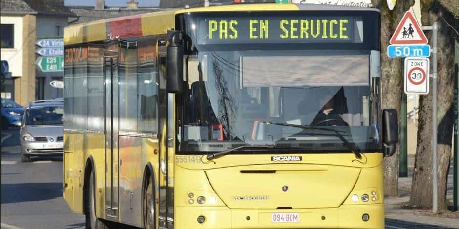 """Aucun bus ni métro à Charleroi ce vendredi: un """"ras-le-bol"""" des travailleurs CGSLB, qui bloquent les dépôts"""